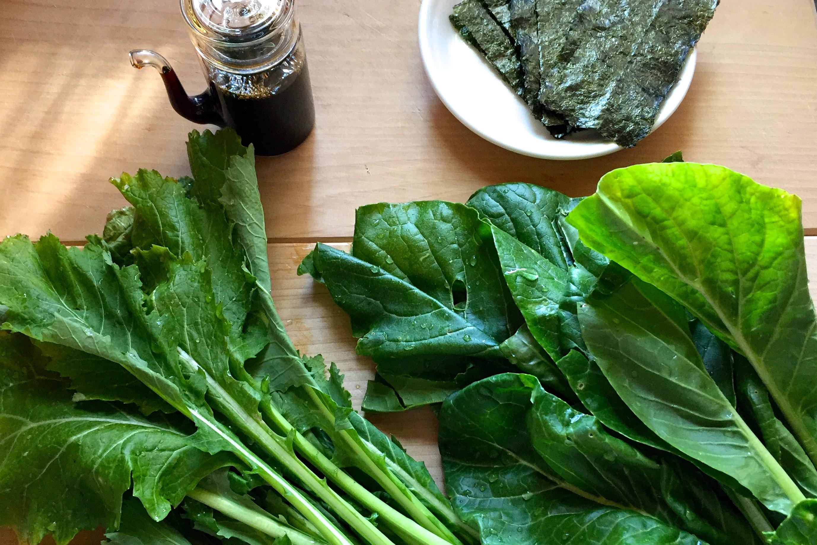 野菜不足解消に♪材料3つで完成、カンタン!青菜の海苔醤油炒め