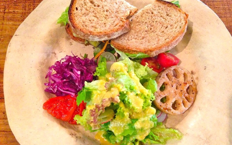 【沖縄・読谷村】まるで絵本の中のパン屋さん♪自家製酵母ベーカリー・水円