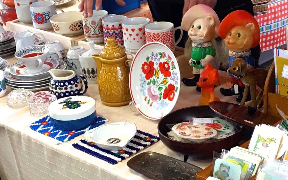食器、生活雑貨、古本…世界中の可愛くて古いものが集まる、「東京蚤の市」に行ってきました。