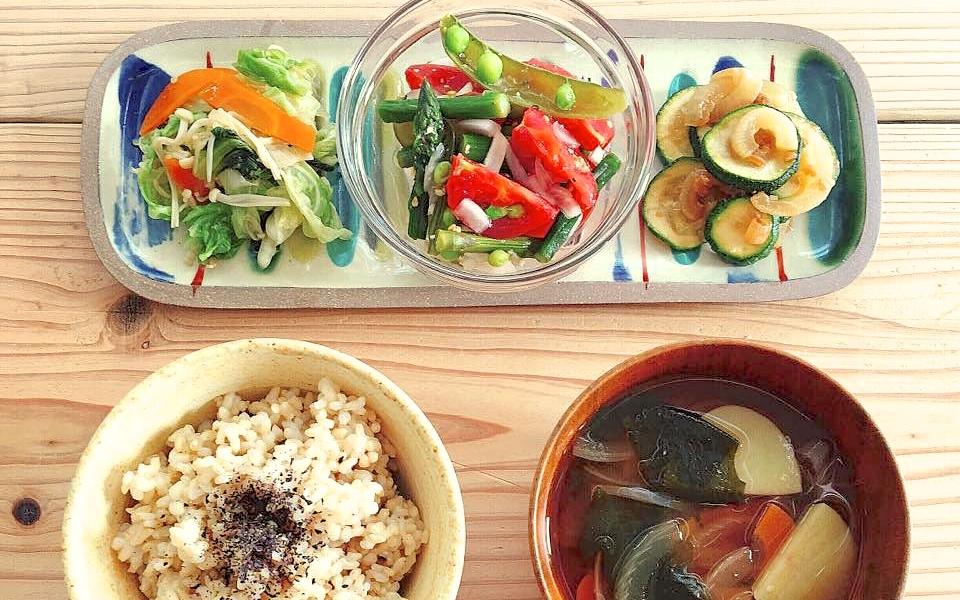ある日のこんだて。我が家の畑事情と、夏野菜たっぷりの一汁三菜。
