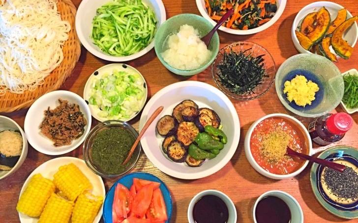 我が家の素麺(そうめん)は薬味が主役!定番のネギや生姜だけじゃない、17種類の薬味?バリエーション