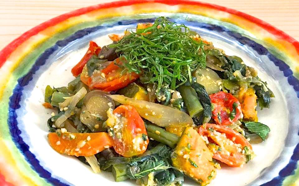 過ぎゆく夏を惜しむレシピ。いろいろ夏野菜のサッパリしそごまだれソテー